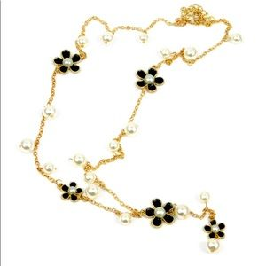 Long chain pearls and flowers necklaces